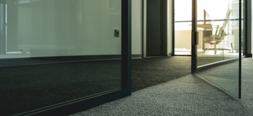 5 Tips to Help you Know When to Replace Your Carpeting