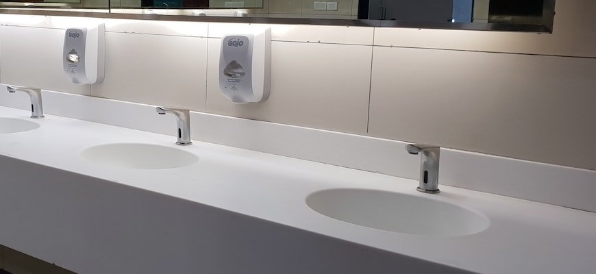 How To Choose A Commercial Bathroom Contractor